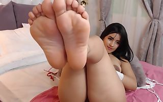Kimberly Very Hot Petite Latina Teenager Shows Soles and Stretches Her Bubblebutt