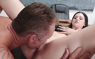 Brunette coed thinks sex is the greatest way to thank muscled teacher